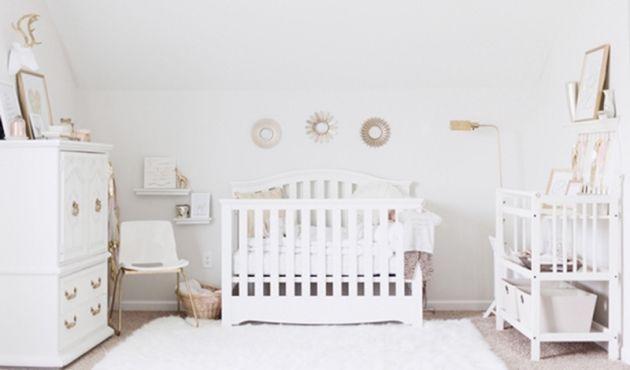 18 styles d co pour la chambre de b b chambre bebe blanche chambres b b et chambres. Black Bedroom Furniture Sets. Home Design Ideas