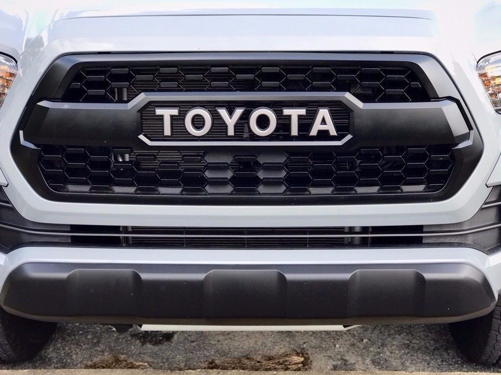 Awesome Amazing Oem Toyota Tacoma Trd Pro Grill Fits 2016 2018 Pt228 35170 2017