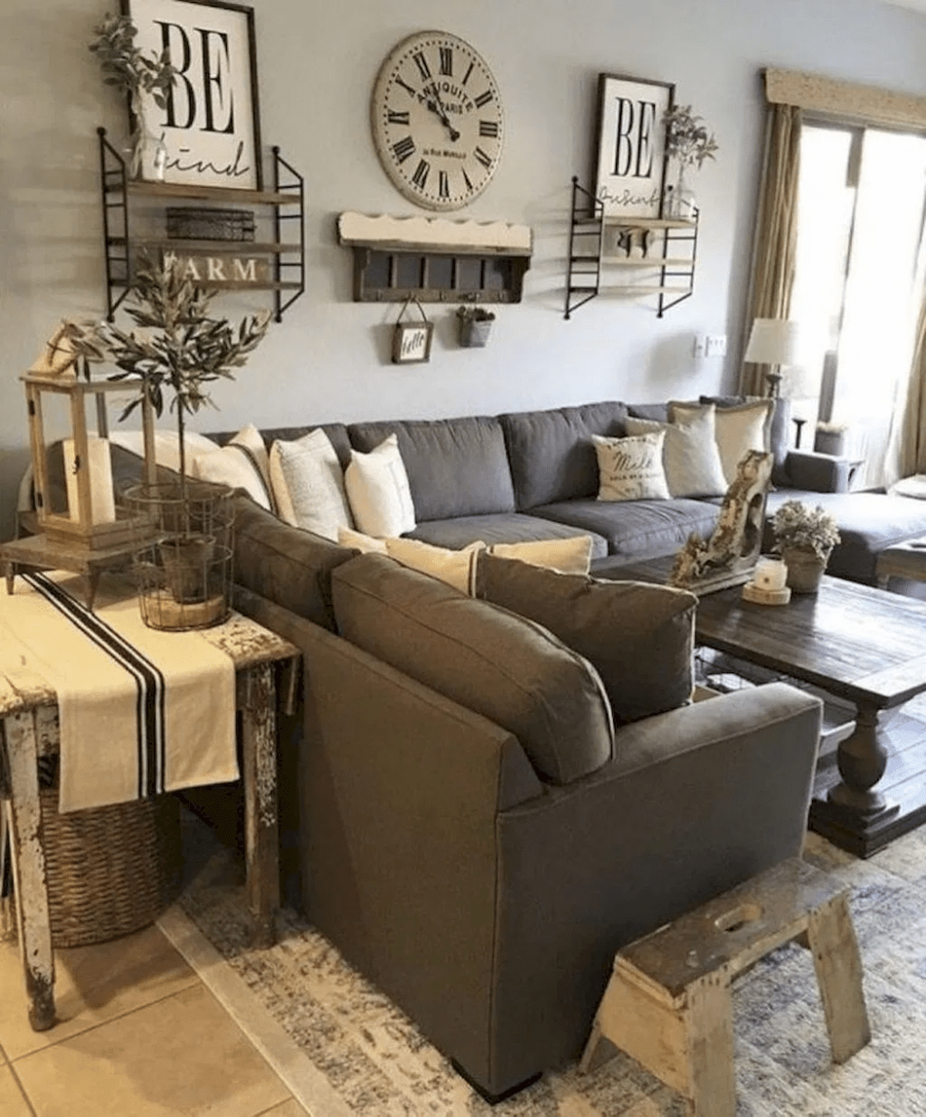 31 Nice Rustic Farmhouse Living Room Design And Decor Ideas Farmhouse Style Living Room Small Apartment Living Room Affordable Living Rooms