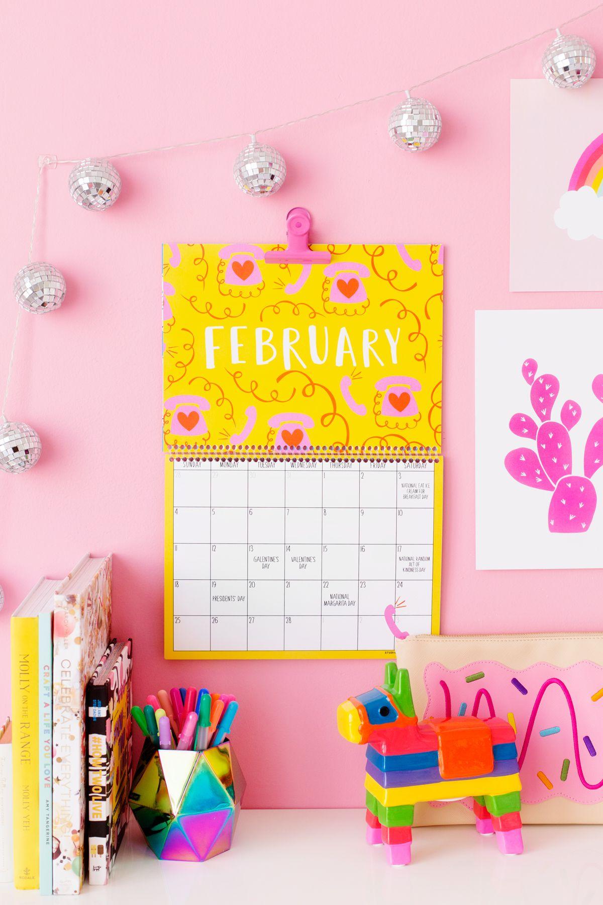 2018 Free Printable Wall Calendar | Printables | Pinterest | Free ...