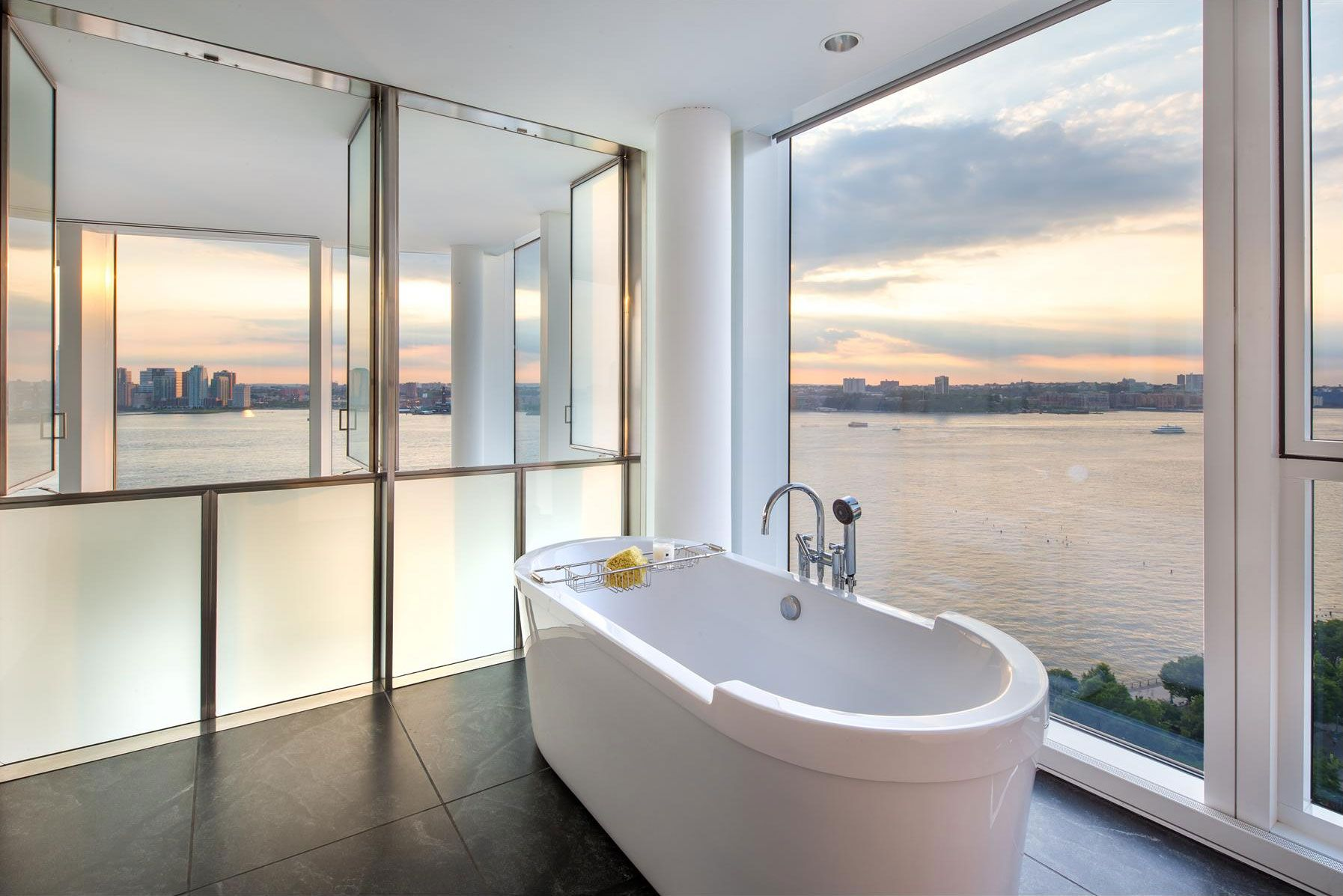 Bathroom, Bath, River Views, Apartment In Manhattan