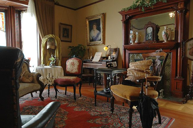 Feast For The Senses 25 Vivacious Victorian Living Rooms: Pin By Patricia Aldric On Miniature Scenes And Dioramas