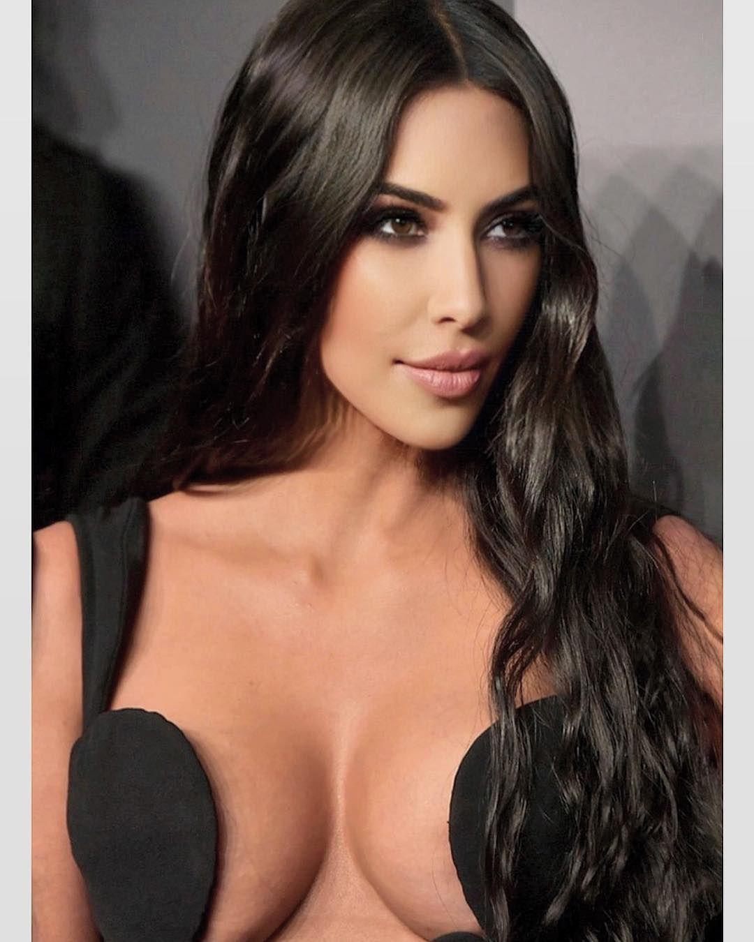 Kim Kardashian | Kardashian, Kylie, Kim kardashian