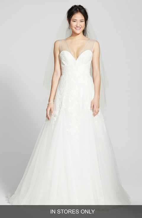 BLISS Monique Lhuillier Chantilly Lace & Tulle V-Neck Gown (In Stores Only)