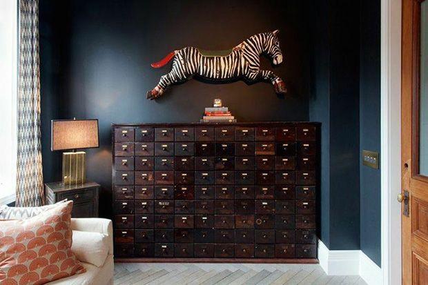 Genevieve Gorder S Big Renovation Living Room Decor Dark Living Rooms Home Decor