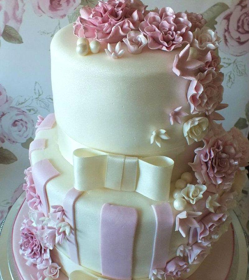 Wedding Cakes Bedford Carinas Cupcakes