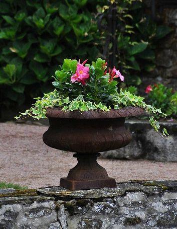 Chateau De Couches0 Jardins Et Terrasses Pinterest Ch Teaux G Raniums Et Vasque