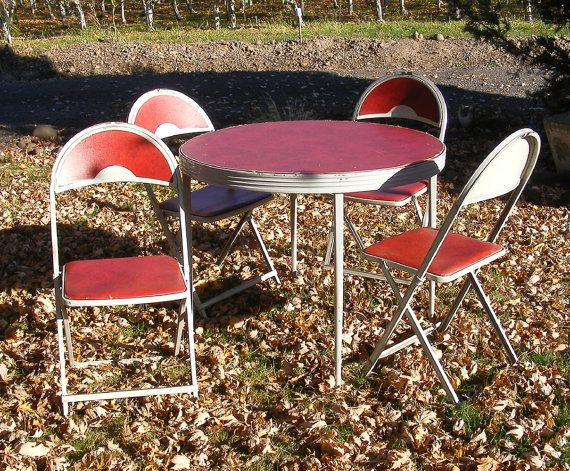 Fantastic Vintage Round Folding Table And Chair Set By Durham Mfg