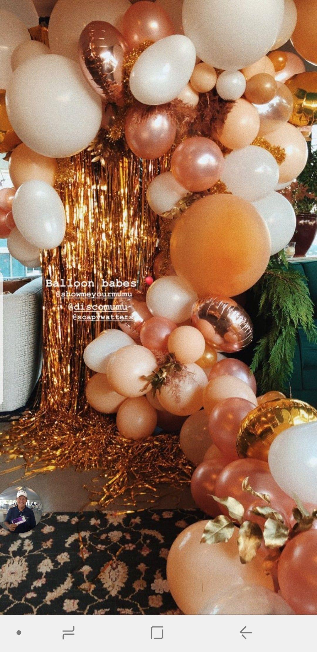 12ct Gold Balloons Spritz™ Surprise party decorations