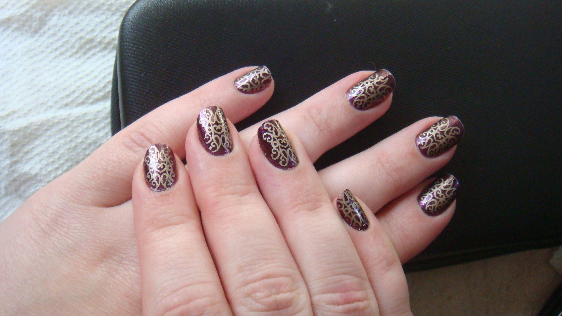Make It Yourself, Princess- stamped manicure