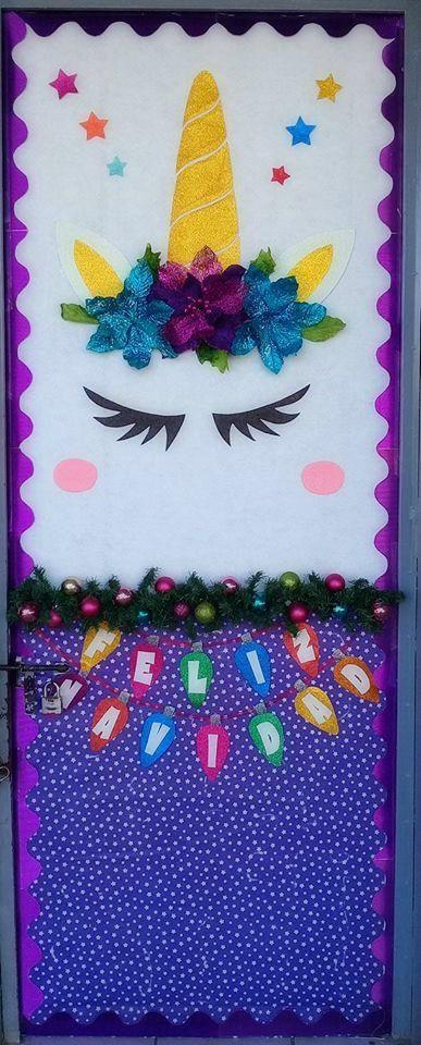 puerta decorada del mes de diciembre de unicornio