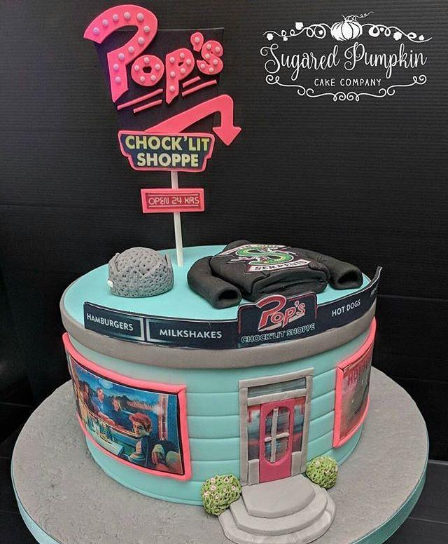Amazing Riverdale Cake Riverdale Riverdale Pinterest