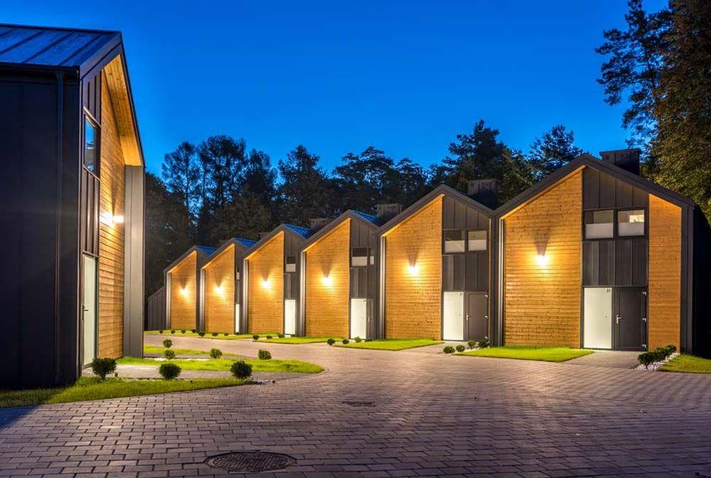 Zaktualizowano Nowoczesne domki nad jeziorem blisko lasu w Mikołajkach na QH67