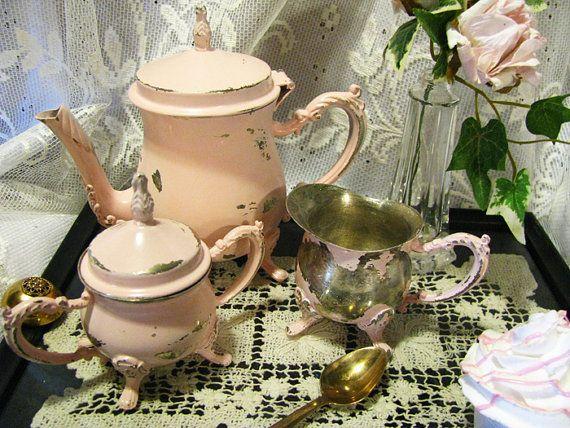 Vintage tea set from VintageAccentsStudio on Etsy.