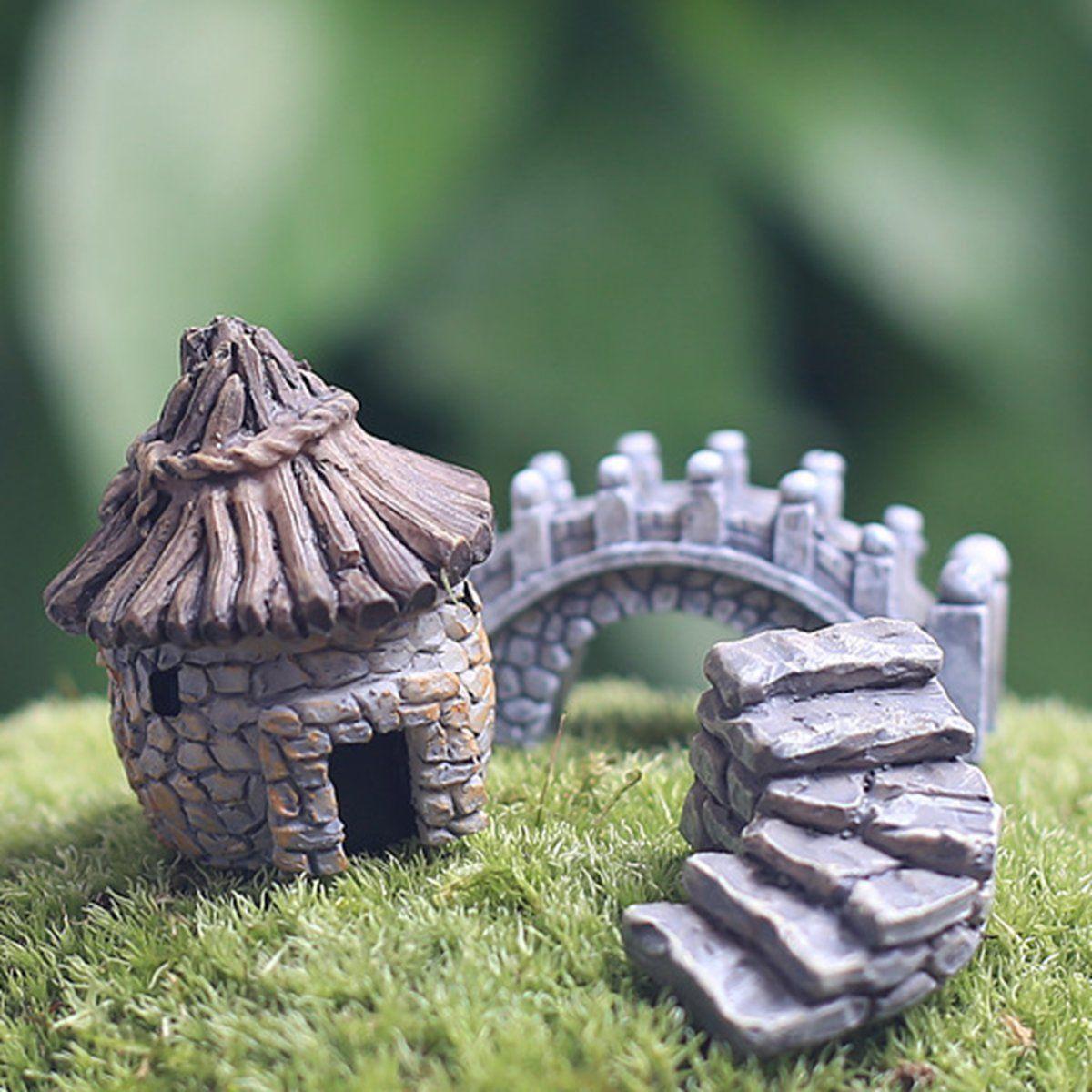 Amazon.com : KINGSO Thatched Cottage Miniature Dollhouse Pots Decor ...