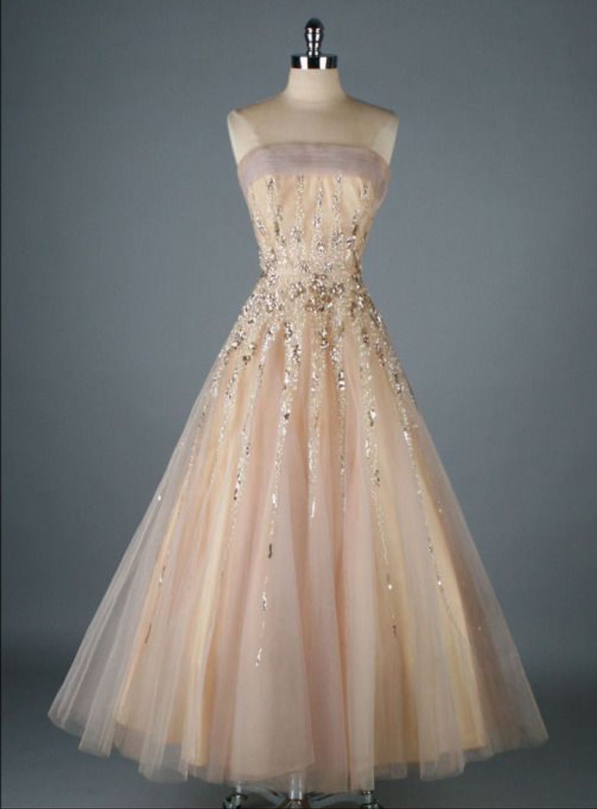 Pin by Amy Shirley on My Vintage Loves | Pinterest | Designer gowns ...