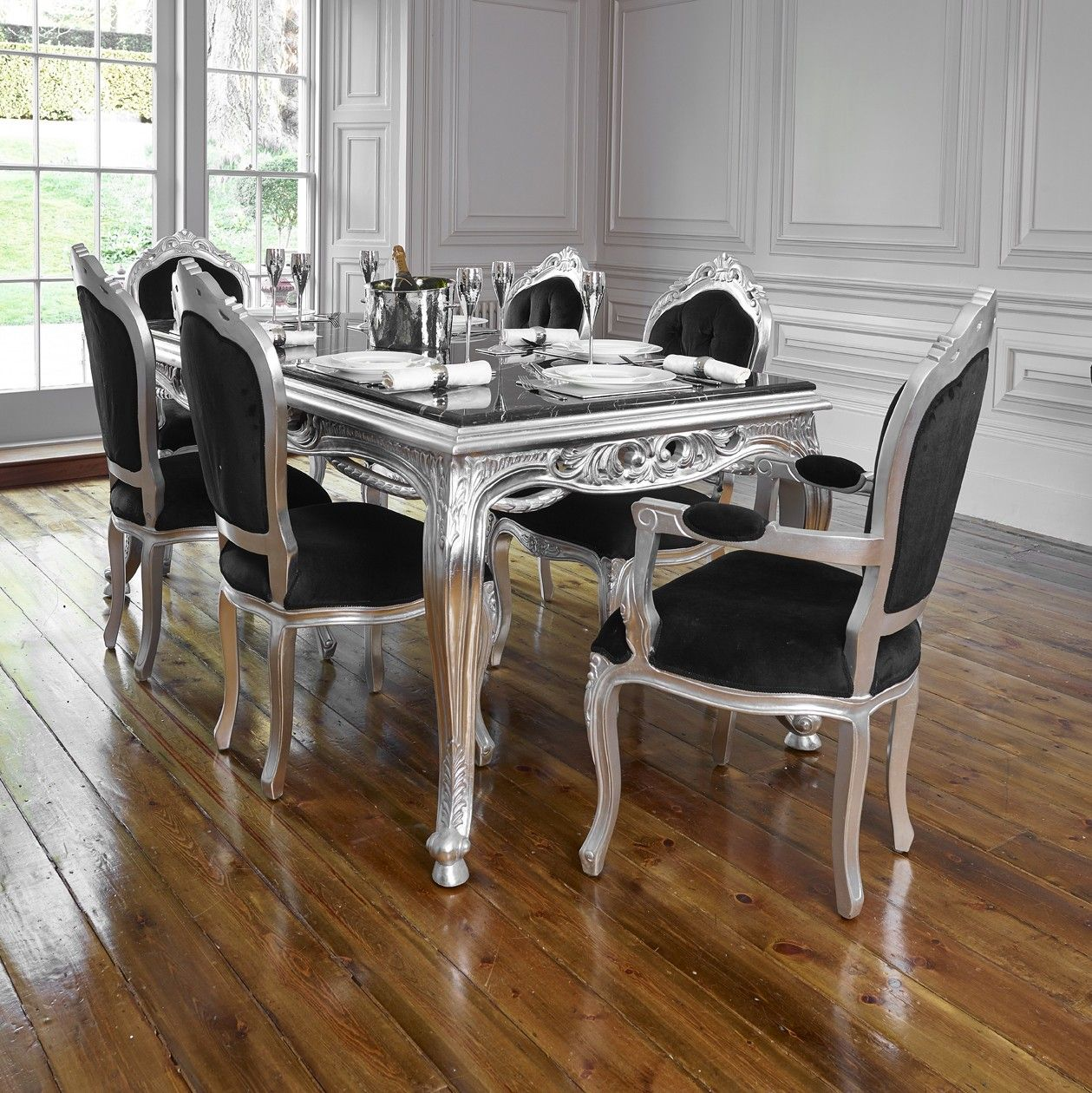 Rococo French silver leaf dining table set with chairs. Rococo French silver leaf dining table set with chairs   chalk