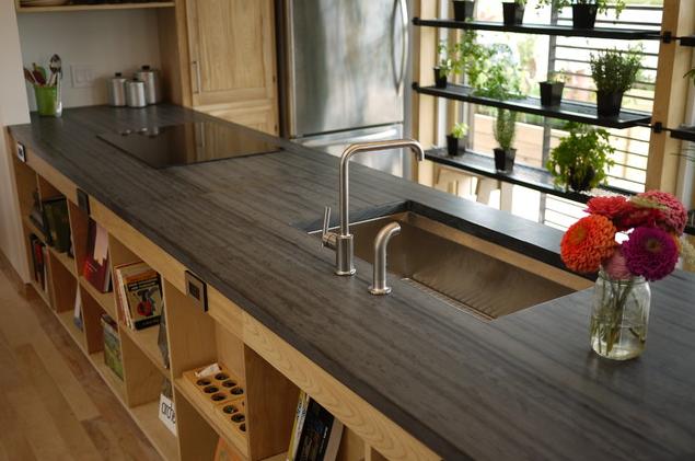 Eine Schiefer Arbeitsplatten bietet viele Gestaltungsmöglichkeiten ... | {Arbeitsplatte küche schiefer 90}