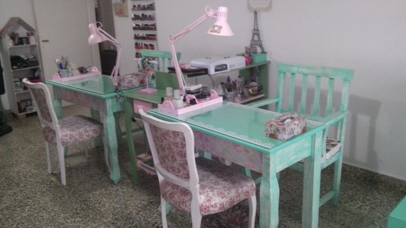 Manicure salon mesa manicuria salon de belleza spa ideas for Table jardin beauty