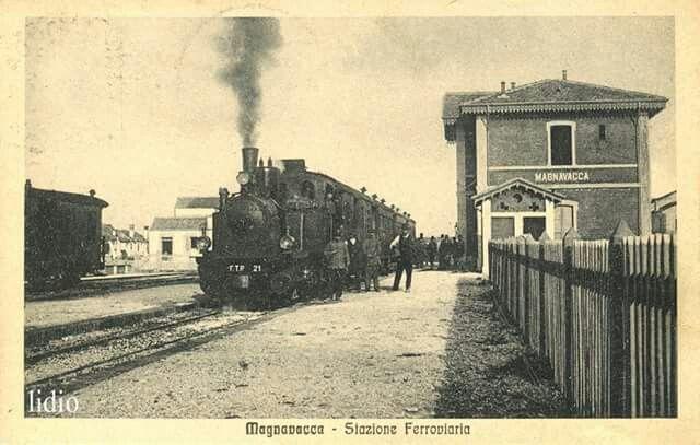 La stazione di Porto Garibaldi ... Il treno | Stazioni del treno ...