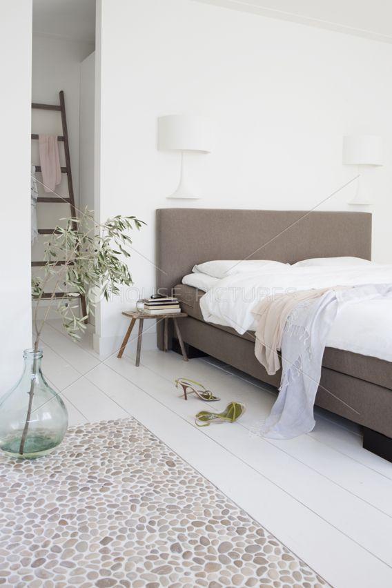 Bedroom. Vase. White. Slaapkamer. Wit. Ladder. | La Casa | Pinterest ...