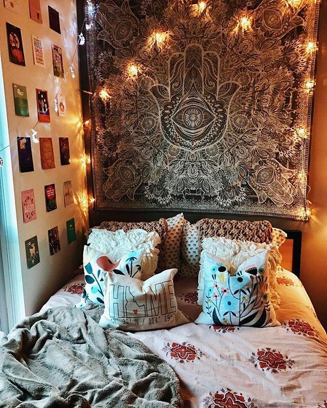 University Of Oregon // College Bedroom // Insta