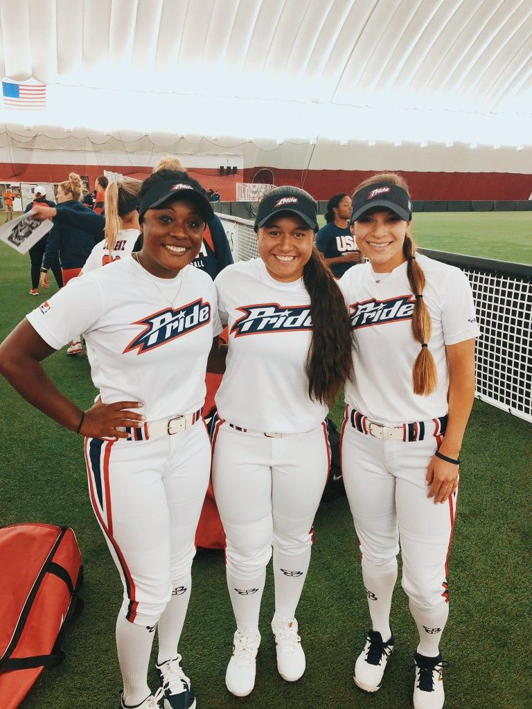 Pin By Sofia Araujo On Oklahoma Faves Softball Pictures Poses Ou Softball Fastpitch Softball