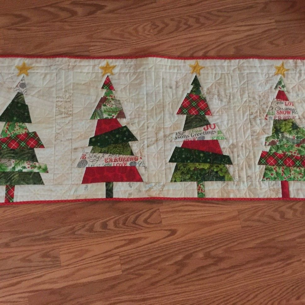 Crazy Christmas Tree Table Runner Quiltsby Me Christmas Quilting Projects Christmas Tree On Table Christmas Table Runner Pattern
