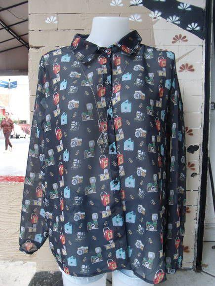 Camisa Feminina Tecido  Musseline Tamanho  M Estampa  Câmeras R  170 ... 9a2b24ebce834
