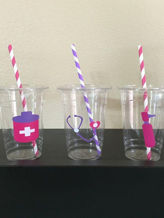Doc Mcstuffins party cups por DivineGlitters en Etsy