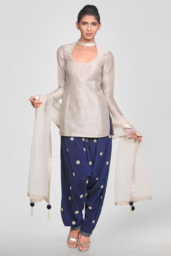 #DesignerSalwarSuitOnline #BuySalwarSuitSale #LatestSalwarSuitOnline #StylishSalwarSuitSale  Maharani Designer Boutique  To buy it click on ths link http://maharanidesigner.com/Anarkali-Dress…/western-dresses/...Fabric-Khadi silk .  RS.4500 Available in all colors.  Machine work. For any more information contact on WhatsApp or call 8699101094 Website www.maharanidesigner.com Maharani Designer Boutique's photo.