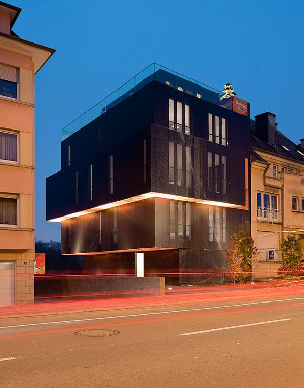 Amazing Monolithic Apartment Building With Post Graffiti Art Photo Gallery