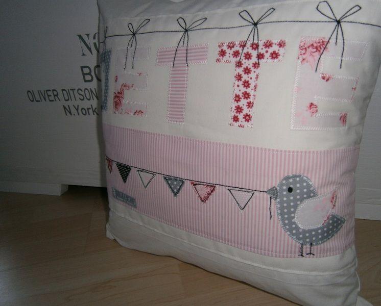 Kissen Mit Namen Nähen : kissen mit namen und motiv kissen patchwork kissen und dekokissen ~ Watch28wear.com Haus und Dekorationen