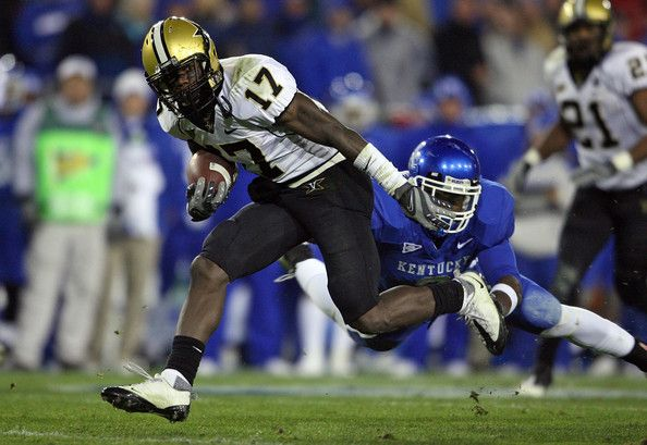 D.J. Moore Photos Photos: Vanderbilt v Kentucky | Big blue ...