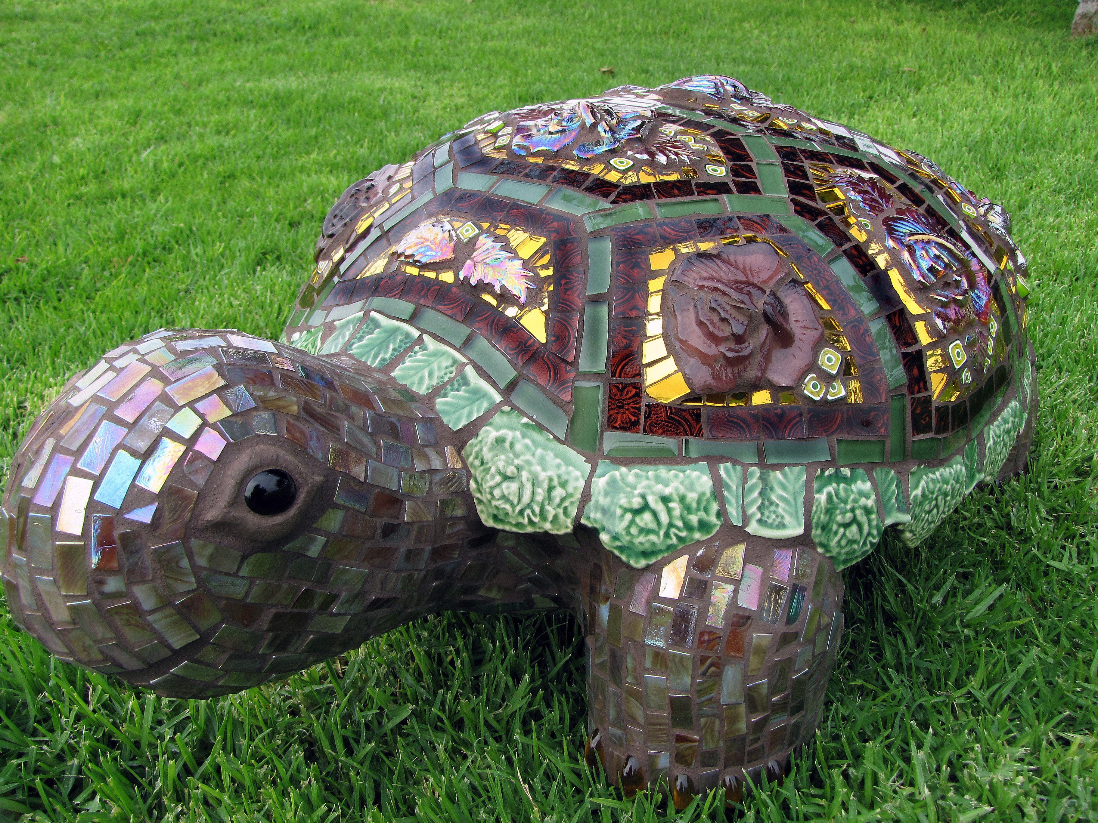mosaic sculpture mosaic animals pinterest mosaik garten und basteln. Black Bedroom Furniture Sets. Home Design Ideas