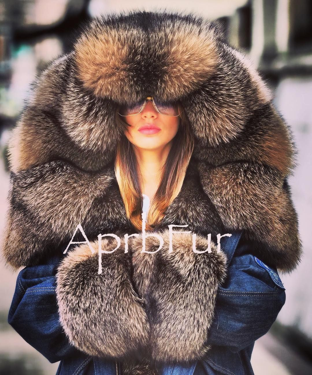 Pin By Celeste Perez On Fabulous Furs Fur Street Style Fur Fashion Fabulous Furs