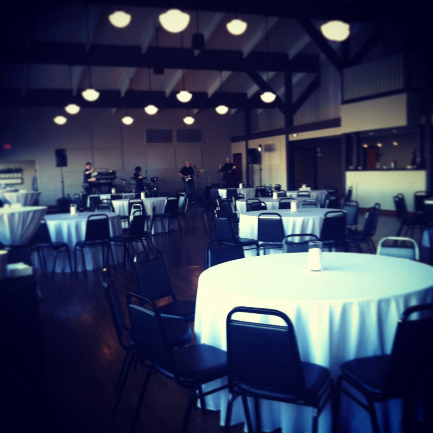 Black and white birthday party decor by www.enchantingspecialevents.com