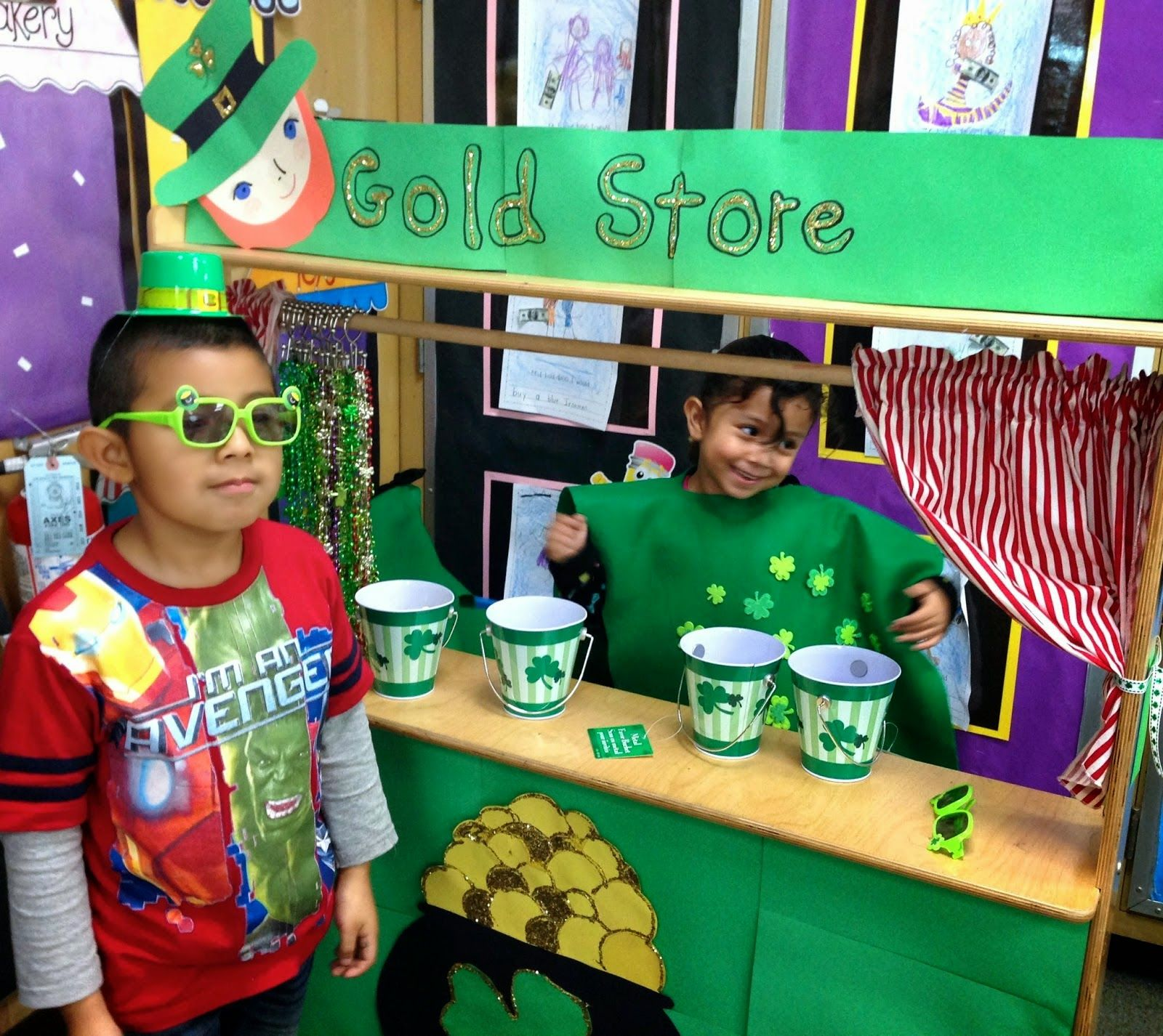St Patrick S Day Gold Store Amp A Rainbow Sight Word