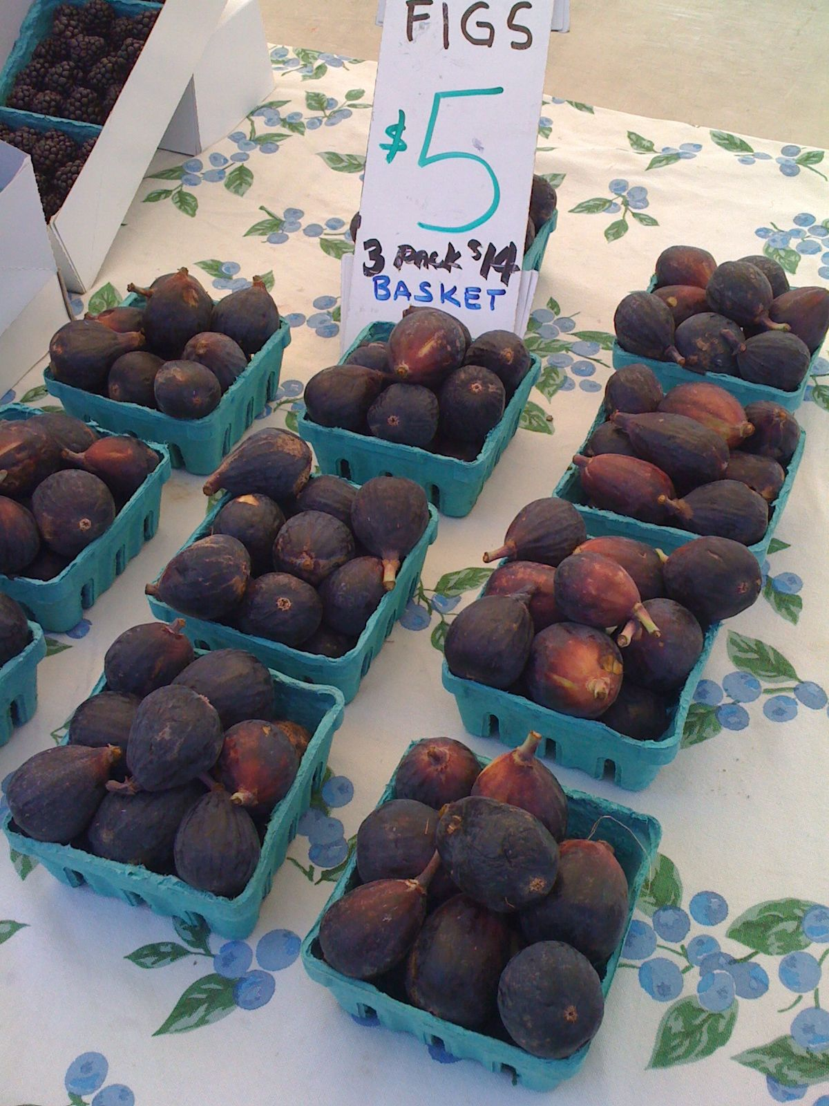 Figs at beverly hills farmers market farmers market fig
