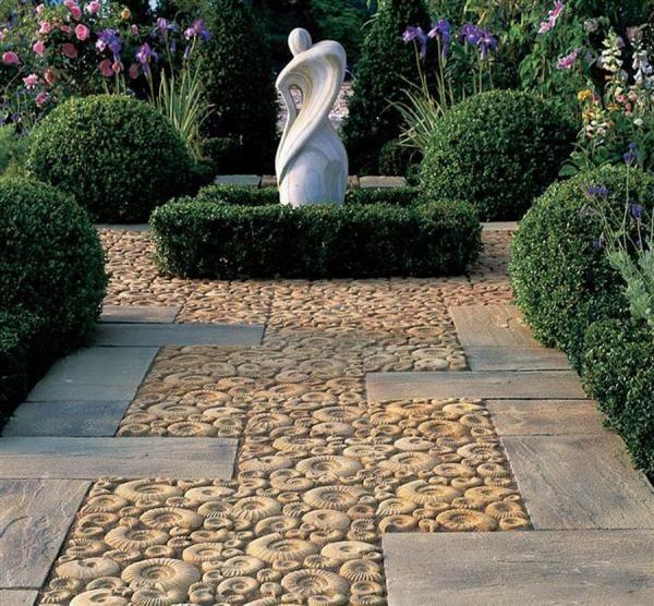 A bit different paving stones | Vähän erilaiset pihalaatat @ Talotarinat