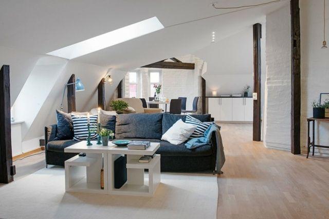 Wohnideen Wohnzimmer Dachschräge wohnzimmer einrichten ideen sofa blaue farbe kaffeetisch
