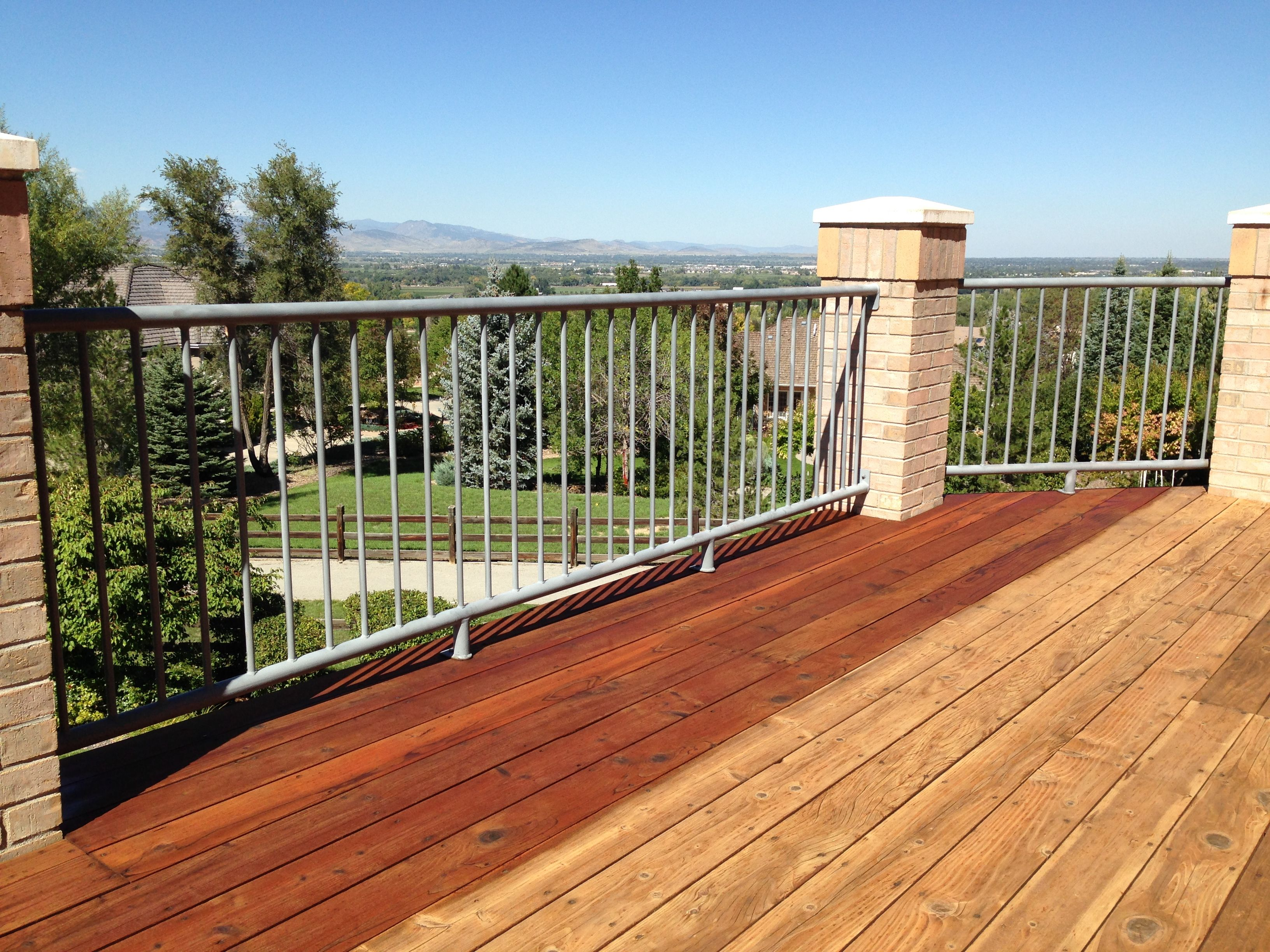 Boodge Deck Stain In Redwood Half Stained Deck Stain Colors Staining Deck Best Deck Stain