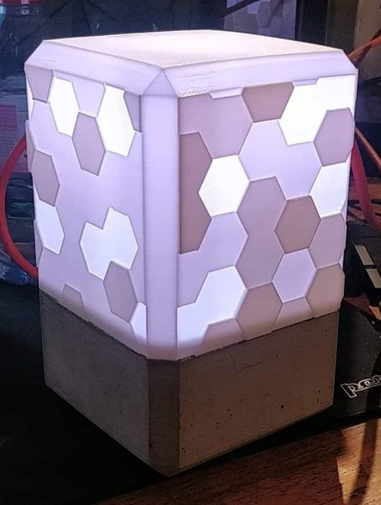 Honeycomb Lamp Fully 3d Printed By Msvprinting Thingiverse 3d Printing Projects 3d Printing Prints