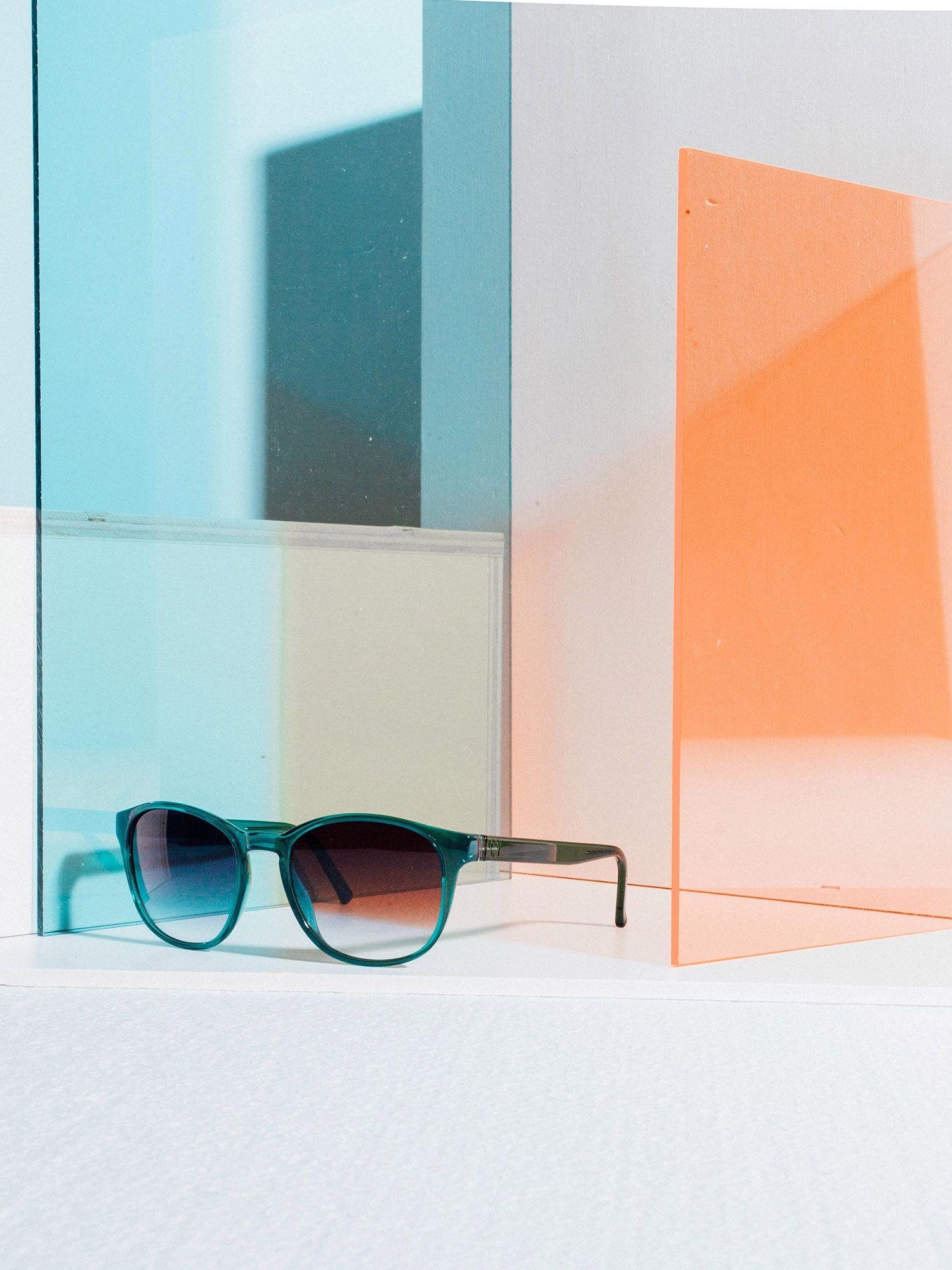 e88e39b316c  neubaueyewear  eyewear  terezamundilova  photography  stilllife  colors   sunglasses  sunnies  shades