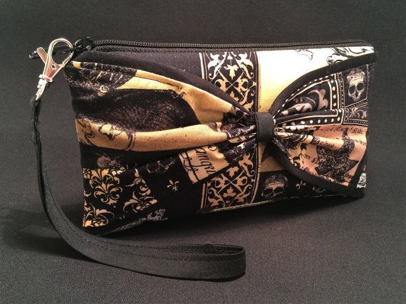 502429f51450 Wristlet Small Purse Raven Bag Poe Inspired by HarlowQuinnDesign  wristlet   purse  raven  nevermore  poe harlowquinndesign.etsy.com