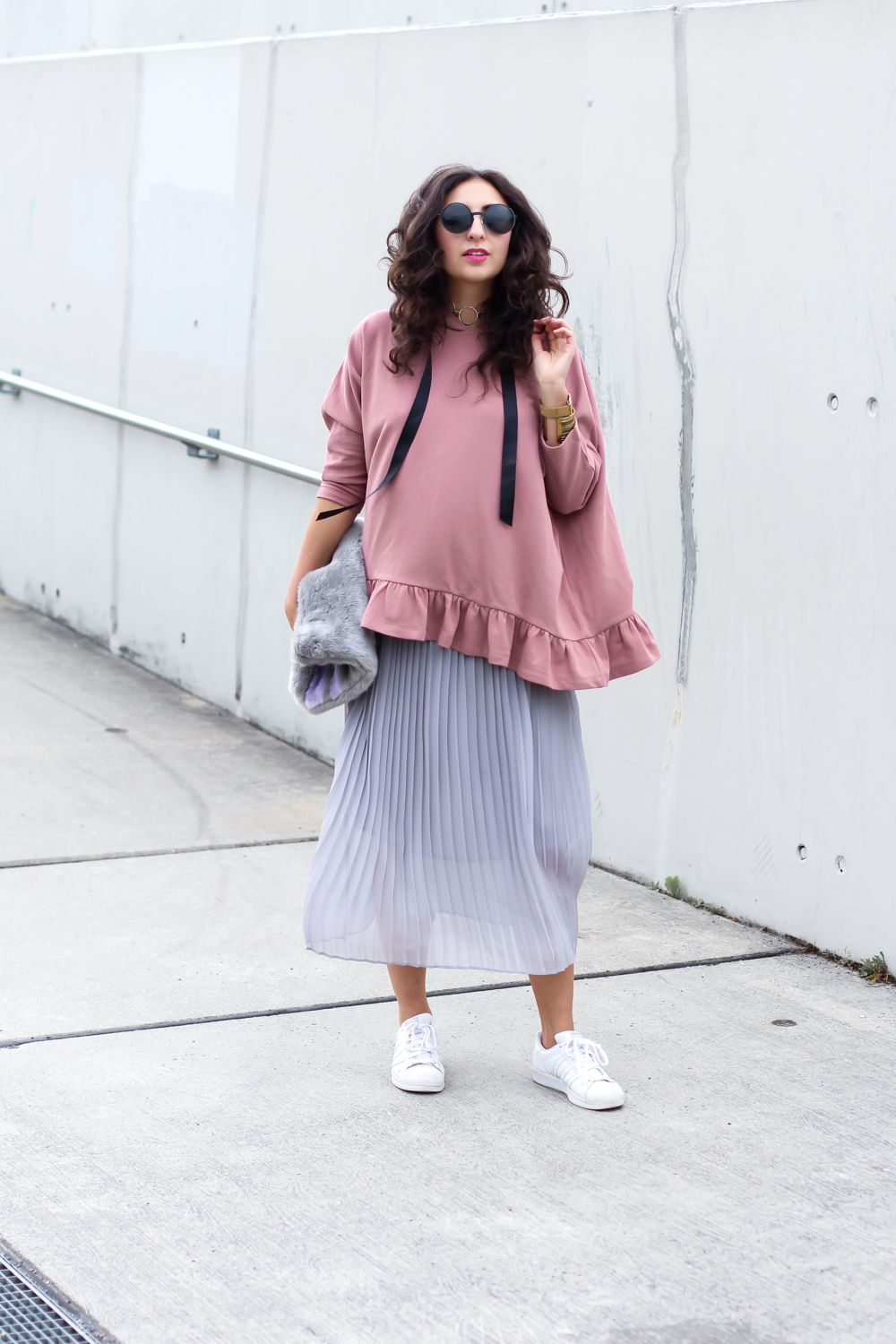 Ruffled Hoodie and Maxi Skirt | Schicke streetstyles