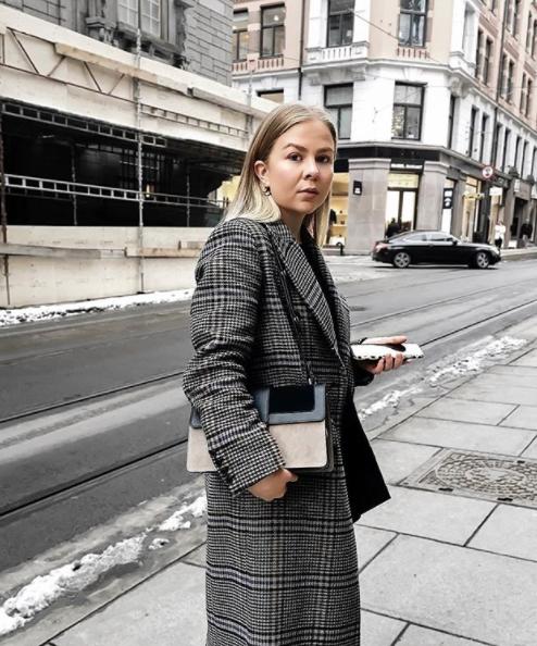 Hansen Wearing Decadent Noweigian Aya Influencer Bag Dina Shoulder qEwRRUOt