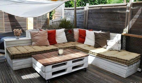 20 modèles de salons de jardin fabriqués en bois de palettes - salon d angle de jardin