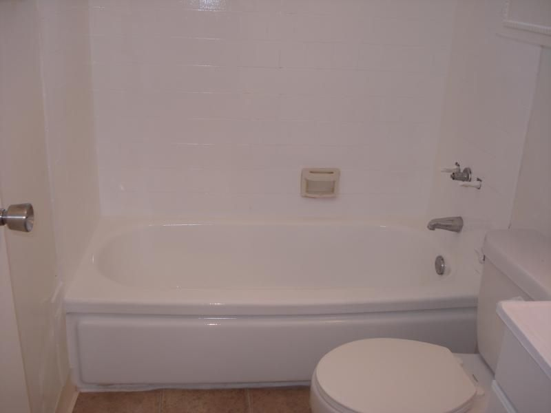 PKB Reglazing : Bathtub & Pink Tile Surround (After) | Bathtub ...