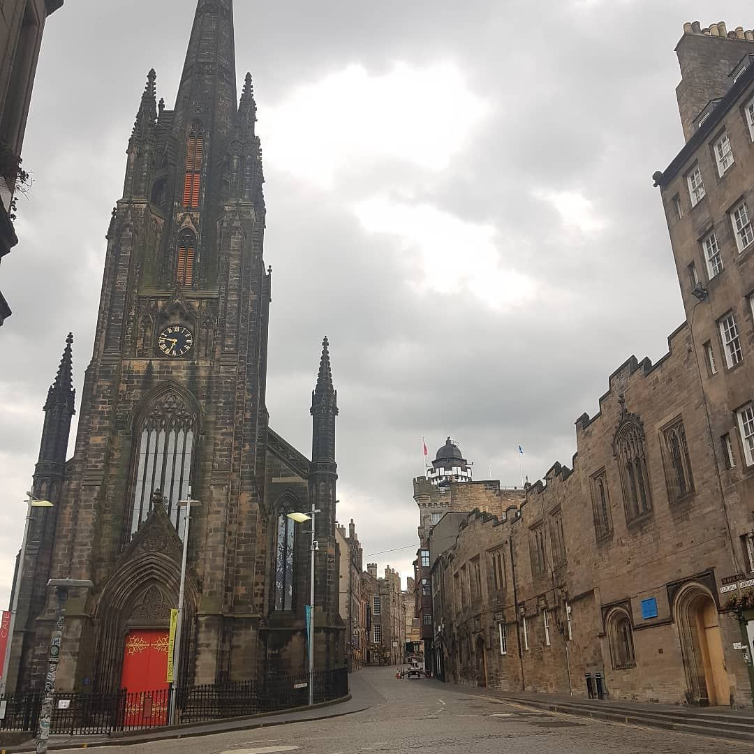 The famous Hub at the Royal Mile. Still enjoying walking around the empty city. Still in #lockdown  _____________________ #wanderlust  #walkingaround #scotland #edinburgh #Coronavirus #lovescotland #edinburgh_snapshots #TopEdinburghphoto #edinburghstory #Loves_Edinburgh #thisisedinburgh #scotshots #scotlandshots #ukshots #thisisscotland #edimburghblogger #visitedinburgh #edinburghlife #travel #edinburghhighlights #edinburghcity #ilovescotland #mycity #unlimitededinburgh #edinbloggers #ukblogger